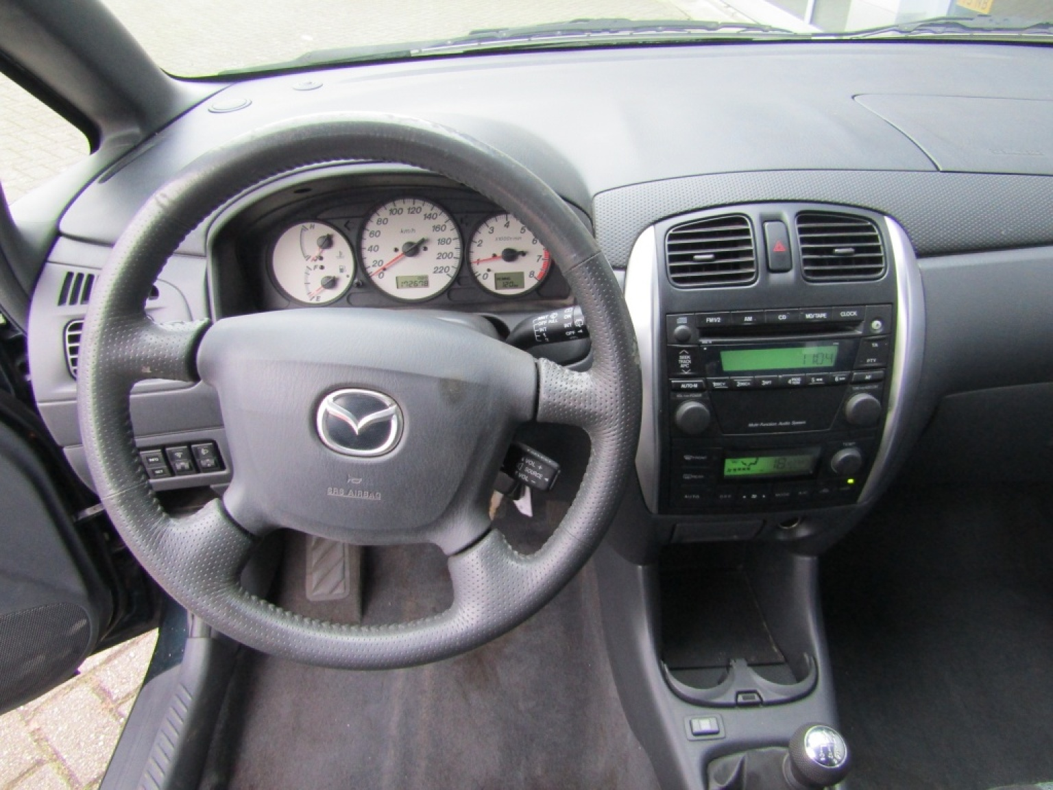 Mazda-Premacy-11