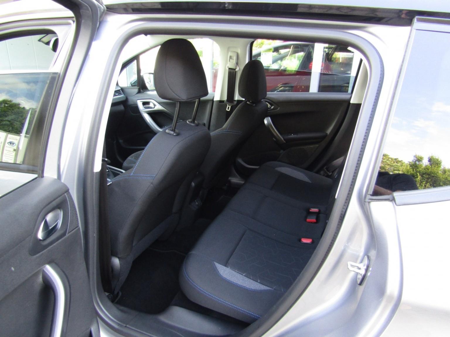 Peugeot-2008-6