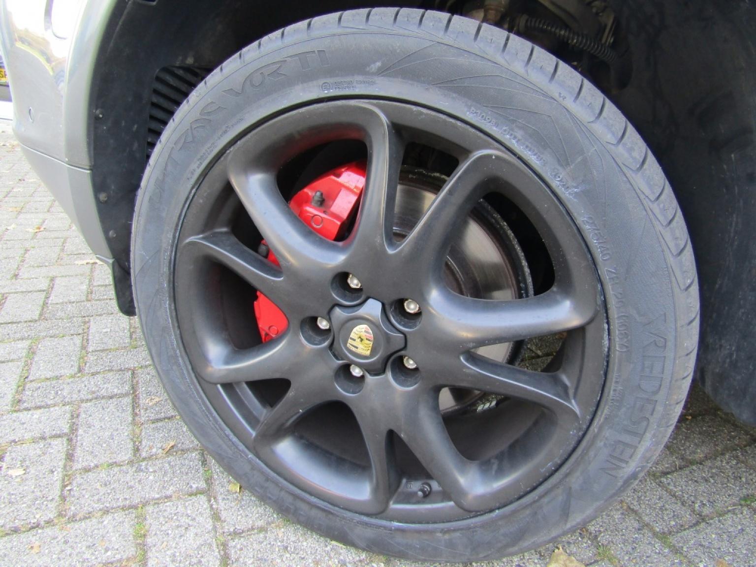 Porsche-Cayenne-28