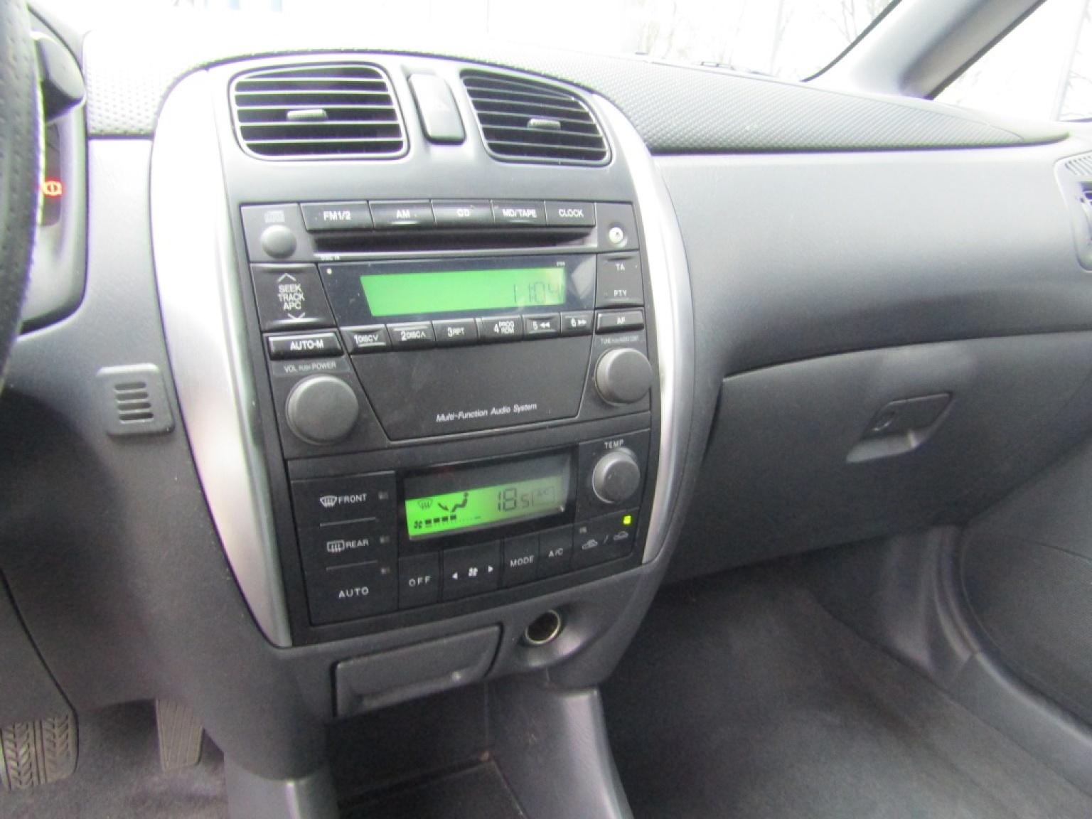 Mazda-Premacy-12