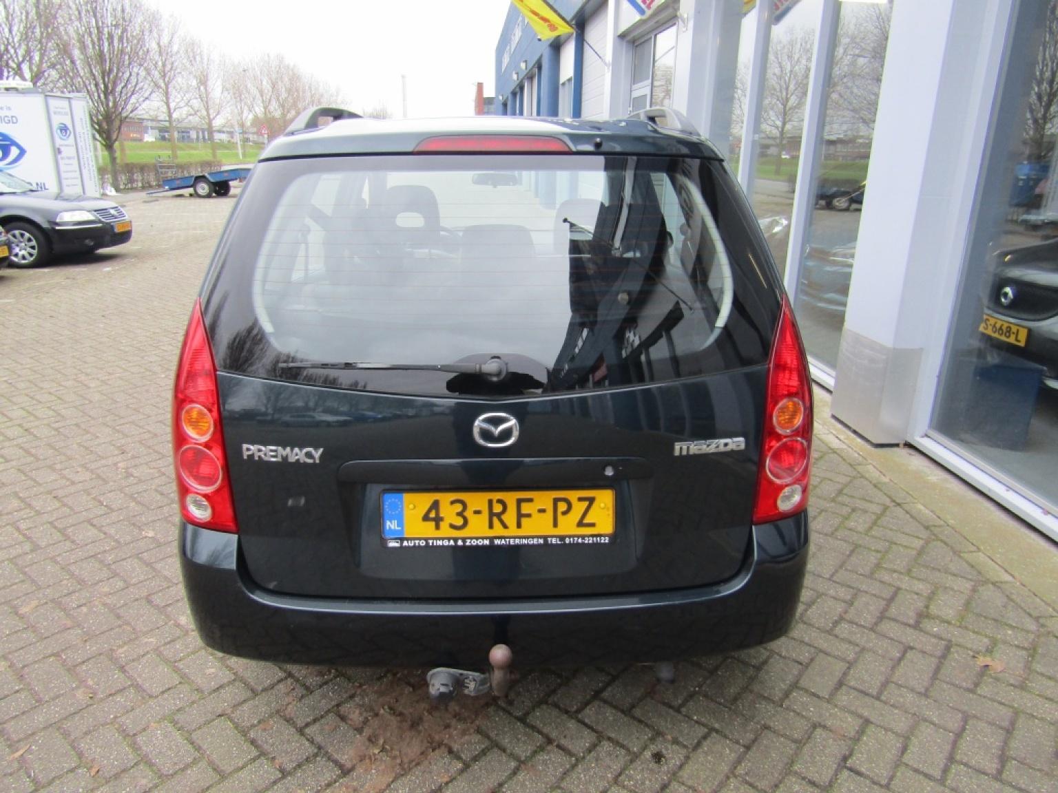Mazda-Premacy-9