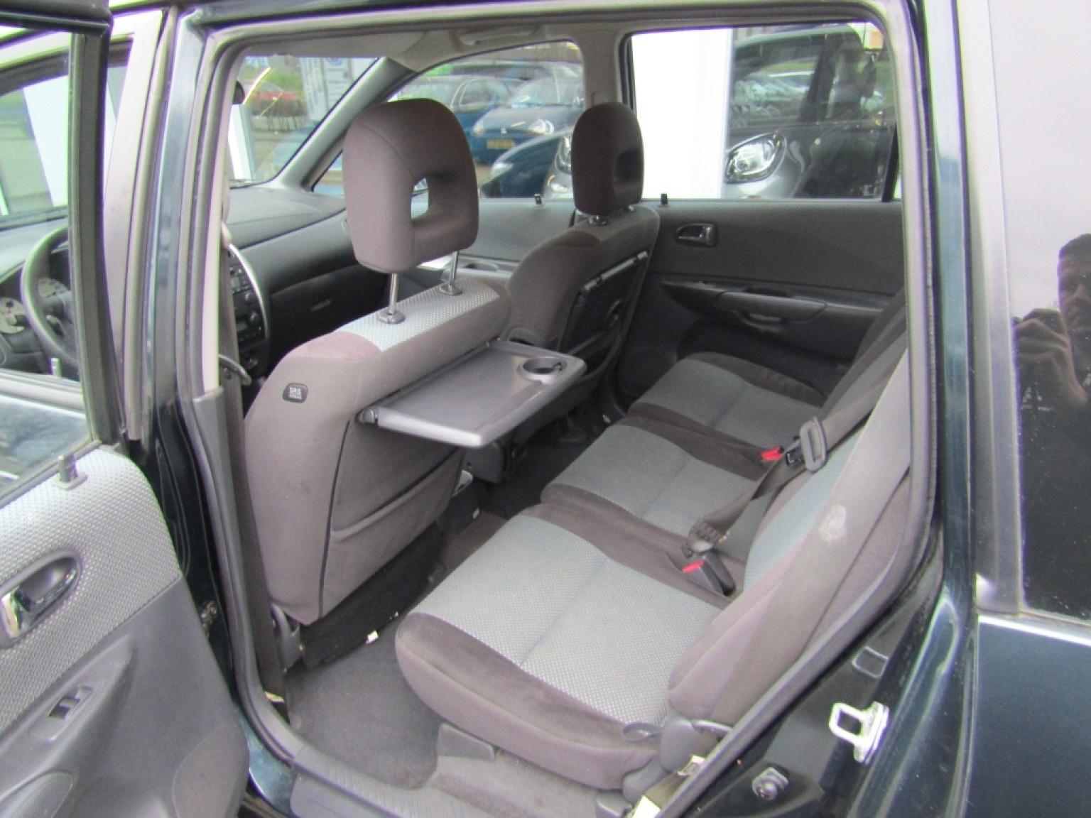 Mazda-Premacy-7